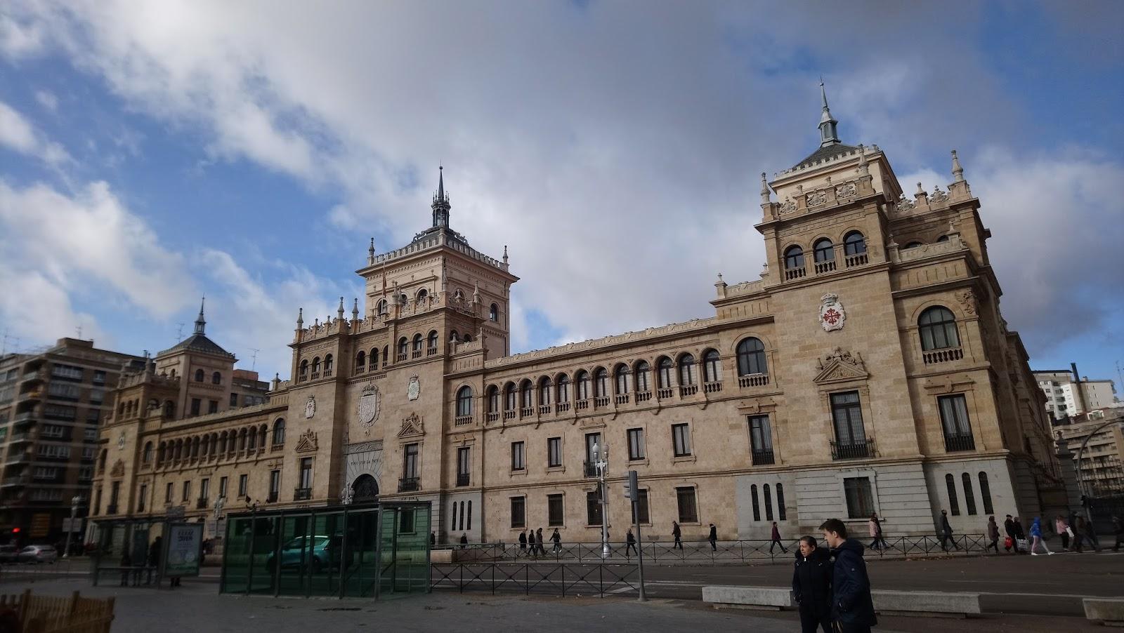 Edificio frente al Parque Campo Grande
