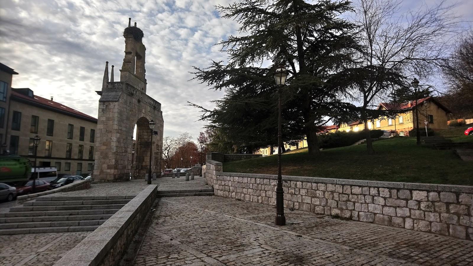 Camino del Castillo de Burgos