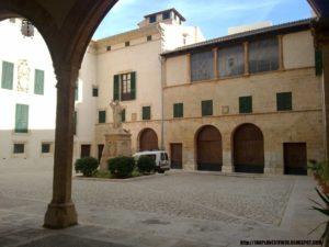 Patio del Palacio Episcopal