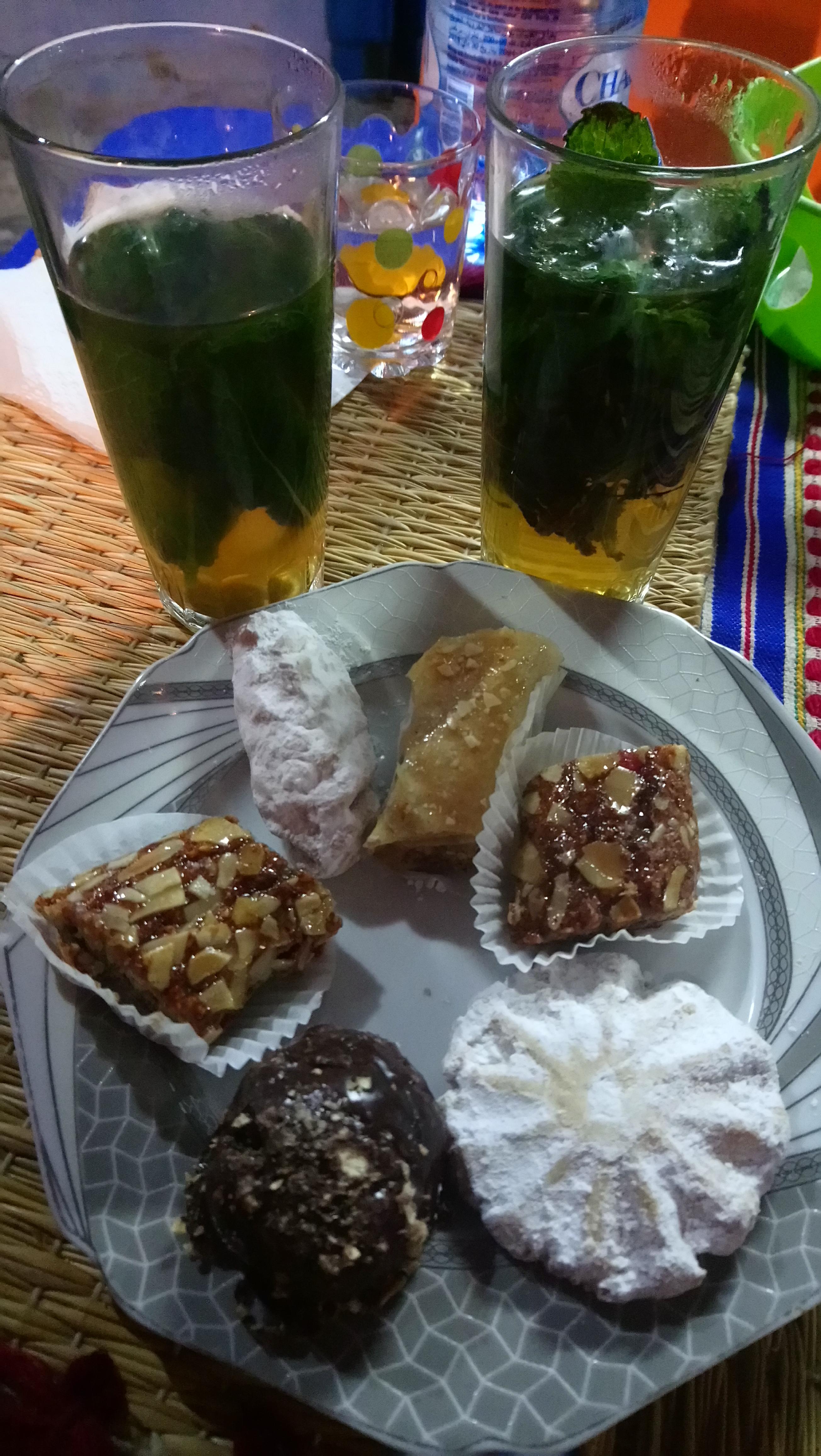 Tras la cena en Chaouen, un té
