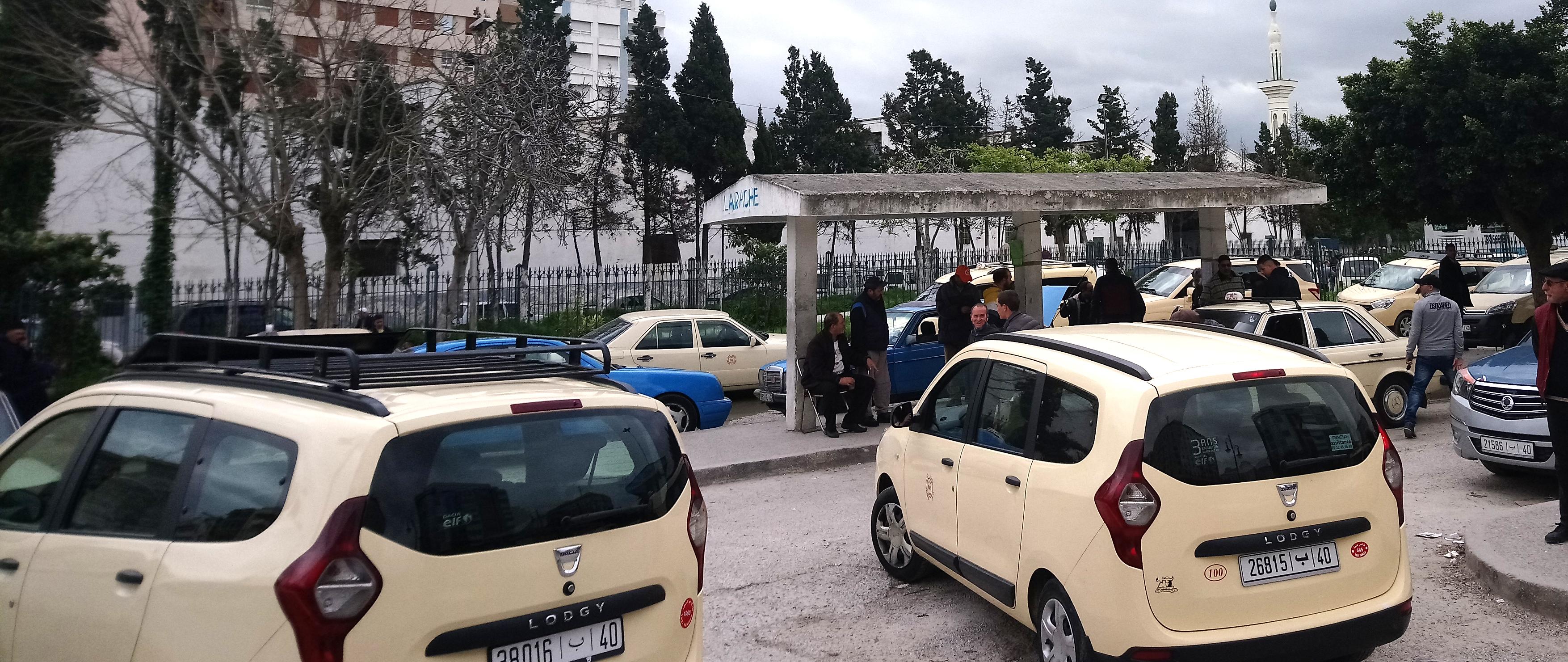 Parada de taxis en Tánger