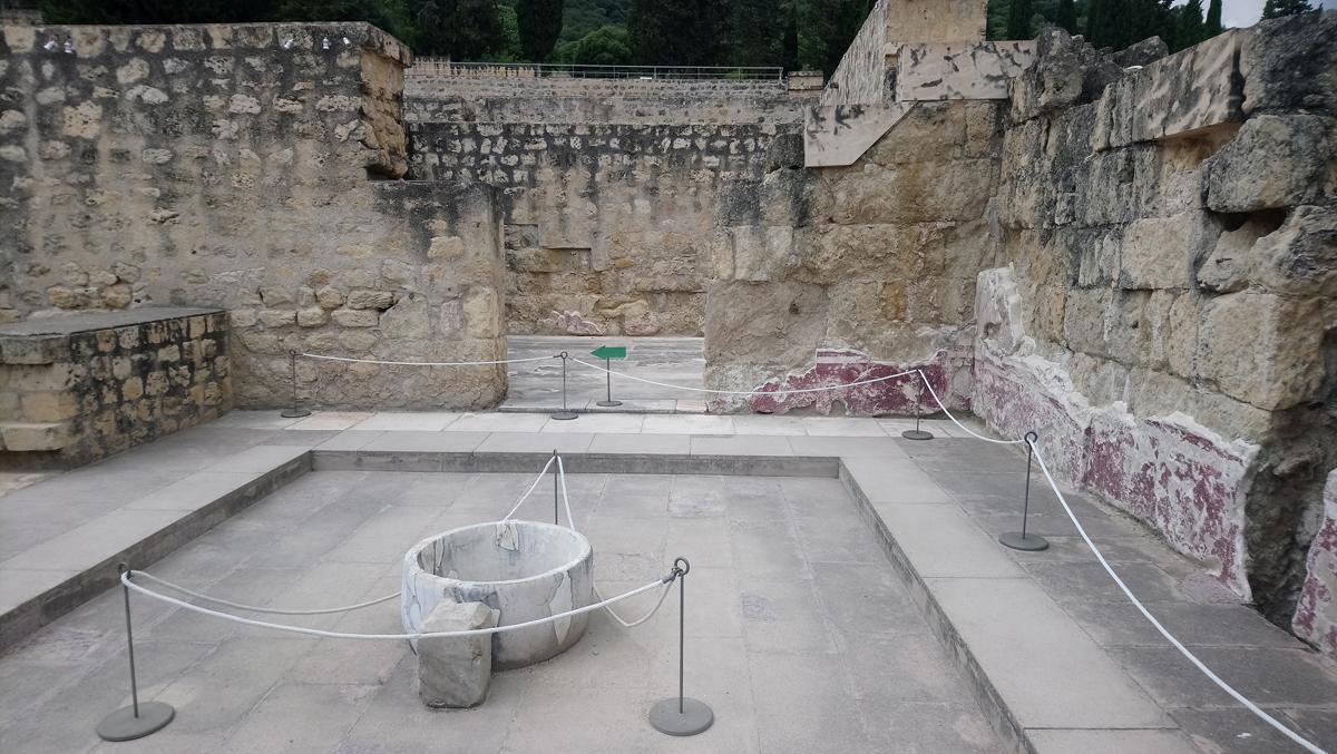 Surtidor de agua en Medina Azahara