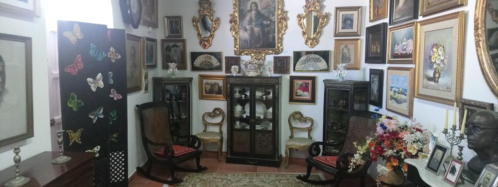 Salón en el que creció Juan Ramón en Moguer