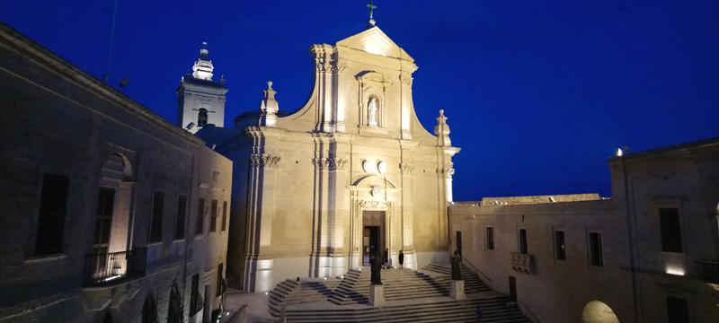 Catedral de la Asunción en la Ciudadela de Victoria