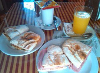 Desayunos, tapas, etc en La Taberna de Paco Bravo, Sevilla Este.