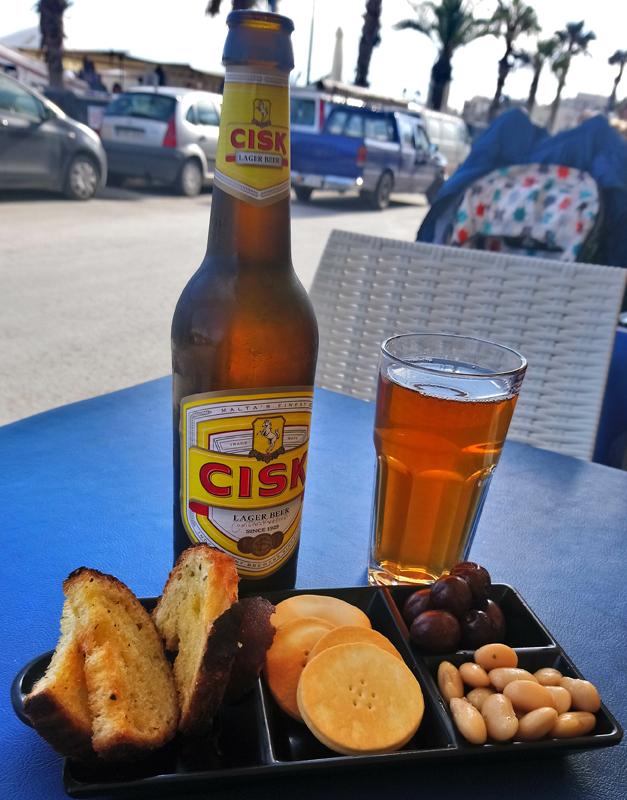 Cerveza Cisk, típica de Malta