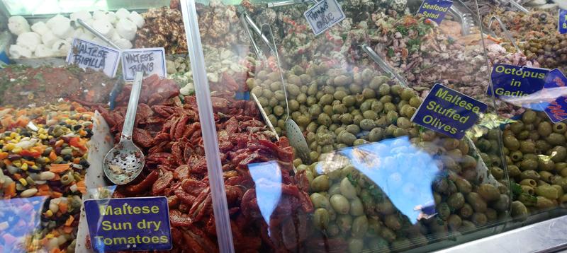 Mercado de pescado fresco en Marsaxlokk