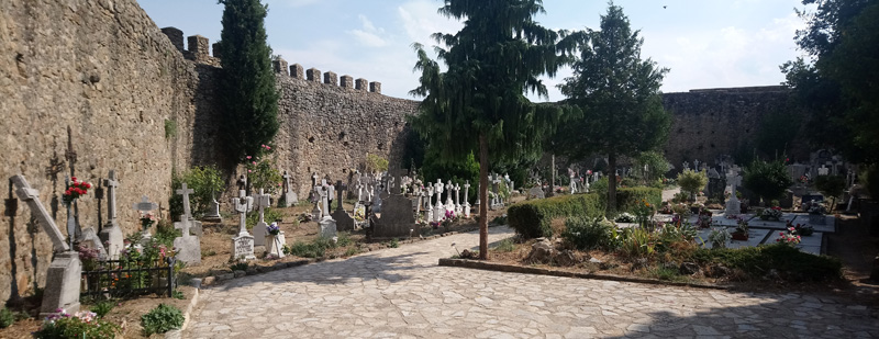 Cementerio del Castillo en San Martín del Castañar