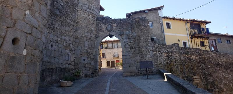 Puerta de la muralla de Miranda del Castañar