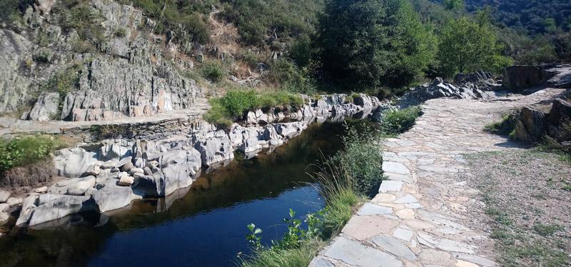 Río para bañarse en Monsagro, Sierra de Francia