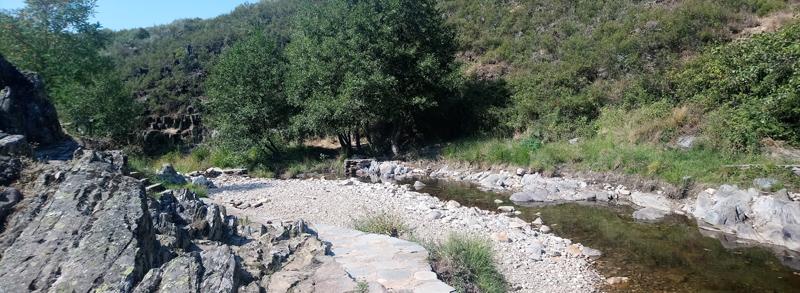 Zona de picnic del Charco de los Mozos en Monsagro