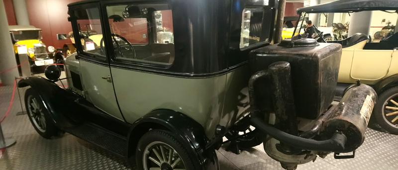 Gasógeno en el Museo del Automóvil de Salamanca