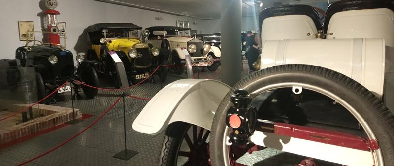 Antigüedades en el Museo del Automóvil de Salamanca