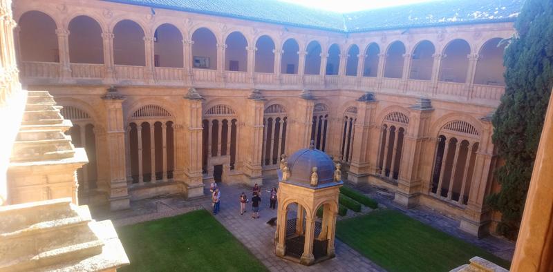 Interior del Monasterio de San Esteban en Salamanca