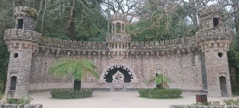 Portal de los Guardianes en la Quinta da Regaleira