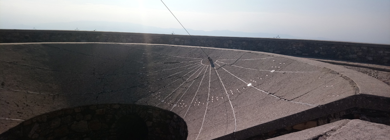 Reloj solar en la Peña de Francia