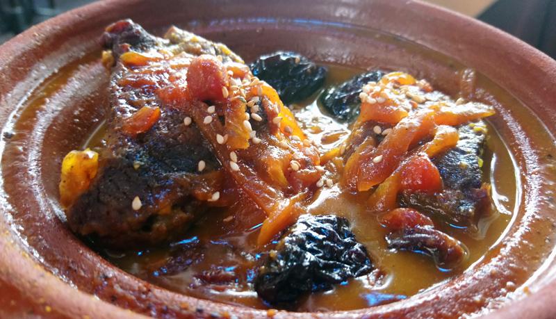 Comer tajine de ternera en Granada