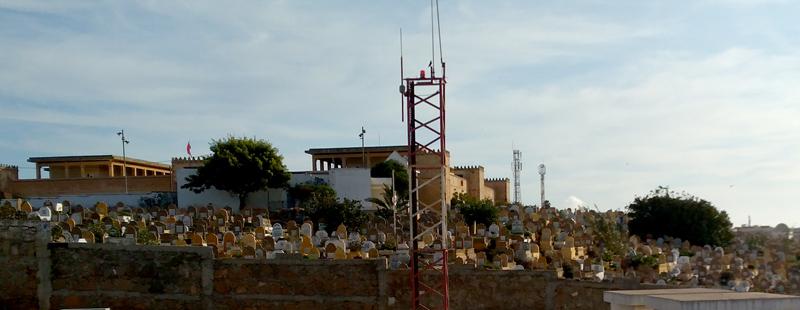 Cementerio junto a la playa de Rabat