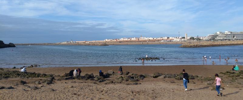 Playa en el paseo marítimo de Rabat