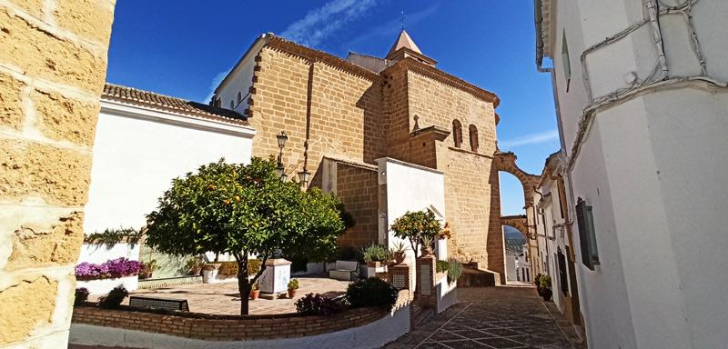 Iglesia de Santiago en Iznájar, Córdoba
