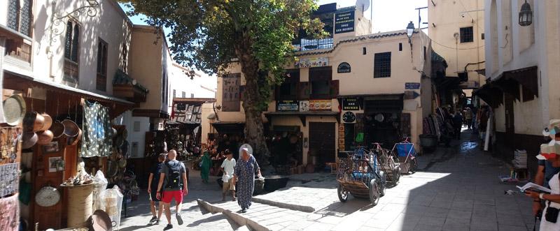 Plaza Seffarine en Fez