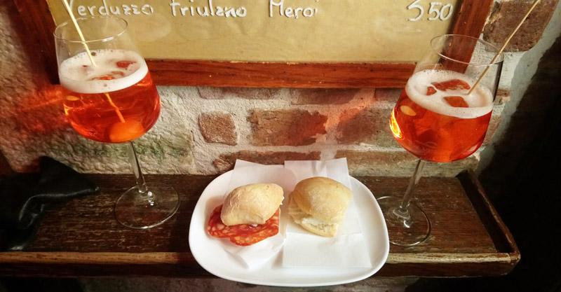 Tomar el aperitivo en Venecia