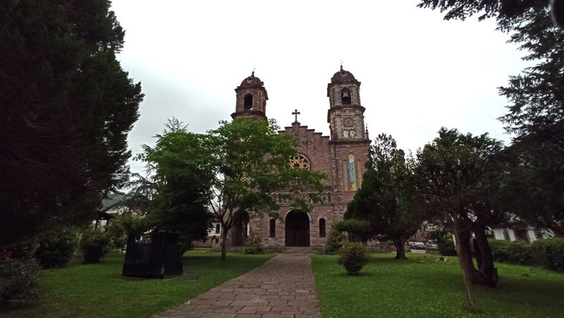 Iglesia de Santiago en Elizondo