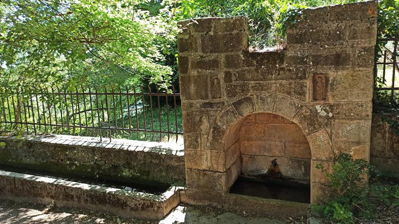 Fuente de las Vírgenes en el Monasterio de Leyre