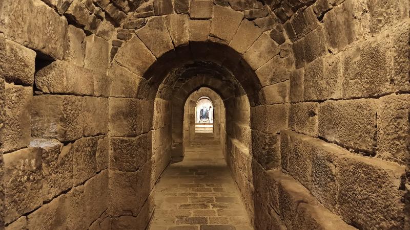 Túnel de San Virila en el Monasterio de Leyre